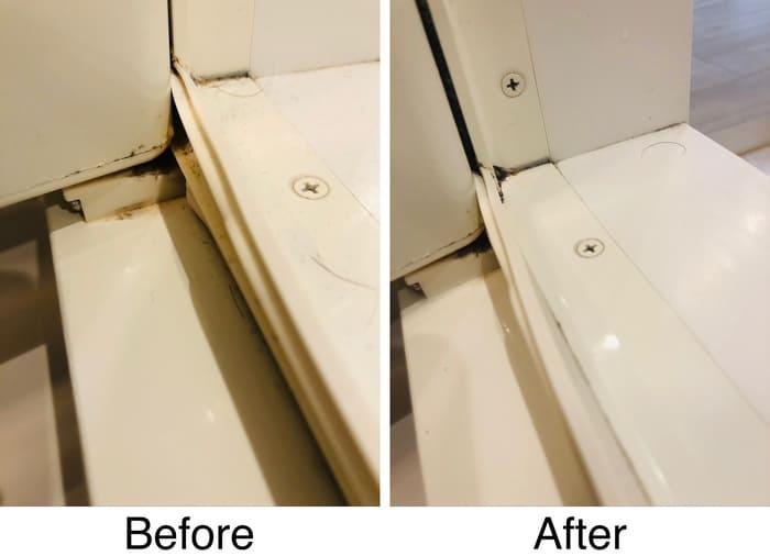 風呂場のドアの汚れ