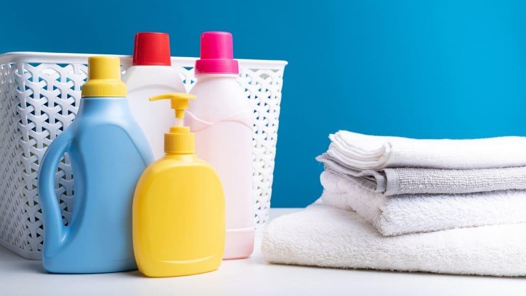 洗剤とタオル