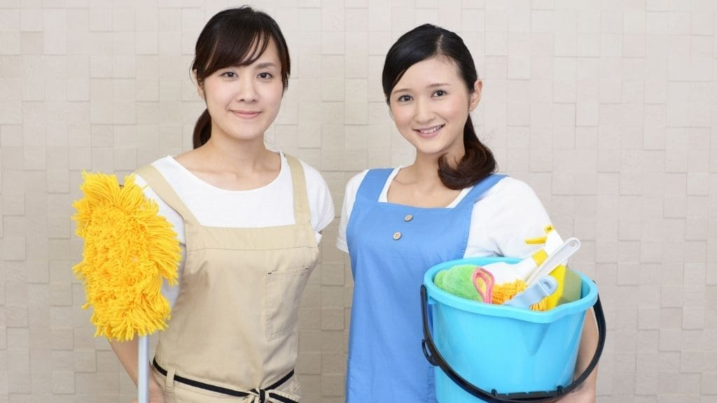 家政婦の女性2名